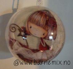 Barnemix - Julekule Snow Globes, Christmas Bulbs, Holiday Decor, Projects, Design, Home Decor, Log Projects, Decoration Home, Christmas Light Bulbs