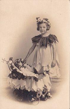 Fairy girl with dolly Vintage Children Photos, Vintage Girls, Vintage Images, Antique Pictures, Old Pictures, Old Photos, Album Vintage, Vintage Postcards, Vintage Paper