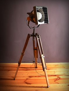 REFLEKTOR NASTATYWIE [XXXII] - TRIPOD LAMP - UPCYKLING - UPCYCLING