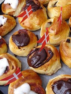 Danish food from Recipe Source,,,,its fastelavns boller(in Danish)