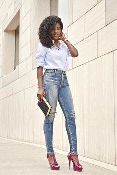 Boyfriend Button-Down + Hight Waist Distressed Skinnies. Cute Work Outfits, Hot Outfits, Casual Outfits, Trouser Outfits, Casual Chic, Casual Wear, Girl Fashion, Fashion Outfits, Womens Fashion