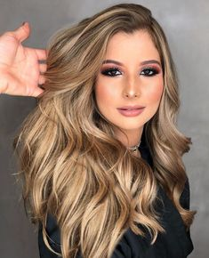 Projeto Along Hair Hair Color For Brown Skin, Light Brown Hair, Light Hair, Cabelo Ombre Hair, Brown Hair With Highlights And Lowlights, Cabello Hair, Bronde Hair, Hair Color Caramel, Corte Y Color