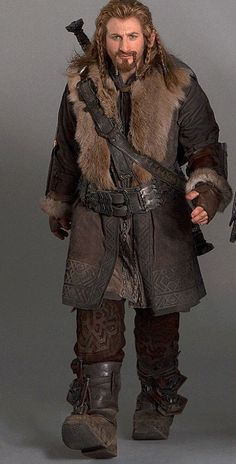 The Hobbit -- Fili Cosplay Costume Version 01 Hobbit Costume, Dwarf Costume, Movie Costumes, Cosplay Costumes, Hobbit Dwarves, Fili Und Kili, Hobbit Party, Tolkien Books, Middle Earth