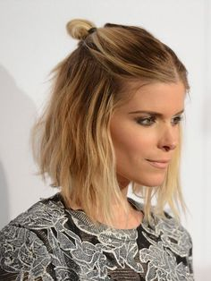 Celebrity hairstyles half-Bun hairstyles for 2017 , Down Hairstyles, Easy Hairstyles, Celebrity Hairstyles, Medium Hair Styles, Short Hair Styles, Bun Styles, Chignon Simple, Half Bun, Short Hair Bun