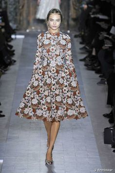 cara delevingne runway | cara delevingne walked the runway in a floral dress and matching shoes ...