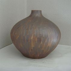 Korean Pottery / Collectibles a vase / Chinaware !!