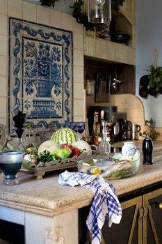 spanish style kitchen <3 <3