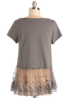 Follow That Daydream Top. Be it visions of DIYs or fantasies of a room redesign that you harbor, go get em in this stone-grey top! #grey #modcloth