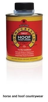 Carr Day Martin Water based formula aids moisture replacement and helps prevent cracks and splits Use daily to maintain optimum hoof moisture