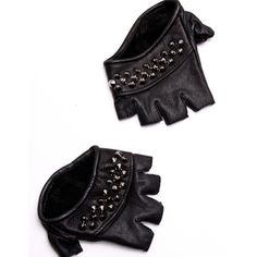 black studded knuckles ($125) ❤ liked on Polyvore featuring accessories, gloves, black, luvas, studded fingerless gloves, leather knuckle gloves, knuckle gloves, leather gloves and skingraft