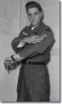 Google Image Result for http://www.elvispresleymusic.com.au/pictures/img/elvis/army/sergeant_presley_feb11_1960.jpg