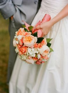 August Wedding Flowers: Garden Roses | #wedding #flowers | www.creatively-country.blogspot.ca