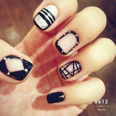 Perfect korean style gel nail.  black nail art                                                                                                                                                      More