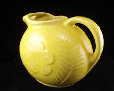 Shawnee Pottery yellow Flower and Fern kitchenware ball jug pitcher Weller Pottery, Mccoy Pottery, Vintage Pottery, Pottery Art, Vintage Antiques, Vintage Yellow, Vintage Tea, Vintage Love, Vintage Stuff