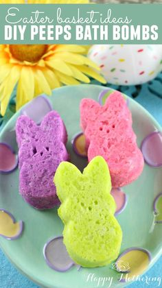 Are you searching for DIY Easter Basket ideas? These adorable Peeps Bath Bombs make the perfect addition to any Easter basket. Plus the kids love them!