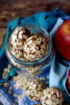Apple Pie & Almond Butter Balls (gluten free & vegan option!) via Nutritionist in the Kitch
