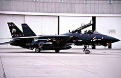 Some photos F14 black Tomcat version VX-4 & VX-9