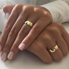 How Much Does a Pair of Gold Wedding Rings Cost? Wedding Ring Cost, Cool Wedding Rings, Beautiful Wedding Rings, Wedding Ring Designs, Gold Wedding, Wedding Bands, Ladies Bangles, Ring Tattoos, Couple Rings