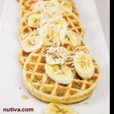 Looking for an easy breakfast that your family will love? We partnered with Melissa d'Arabian to create this mini waffle recipe. Grab our Squeezable Organic Virgin Coconut Oil and get cooking! Mini Waffle Recipe, Waffle Recipes, Healthy Waffles, Healthy Snacks, Healthy Eating, Recipe Using Coconut Oil, Healthy Dinner For One, Food Videos, Recipe Videos