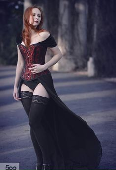 Love this! I adore any corset-type top.