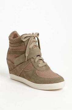 Nike shoe wedges