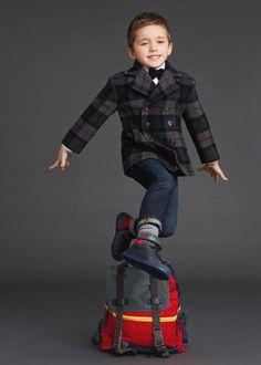 dolce and gabbana winter 2016 child collection 133 Fashion Kids, Toddler Fashion, Dolce & Gabbana, Labo Photo, Preppy Boys, Handmade Baby Clothes, Stylish Boys, Winter Kids, Kid Styles
