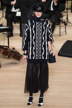 Chanel prefall #fallwinter2018 #Chanel #VogueCollections
