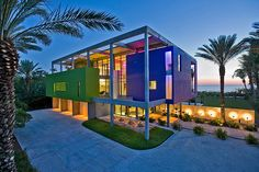 Cube house in Florida uses a color-coded cube system to distribute living spaces.