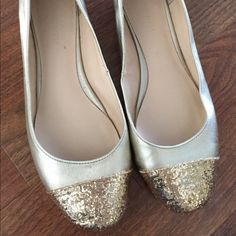 Nine West Glitter toe flats EUC.  Only worn a few times.  A tiny blemish on the right shoe by the toe (barely noticeable when on). Run 1/2 a size big as I am usually a Size 8.  Super cute to brighten up an outfit!! Nine West Shoes Flats & Loafers