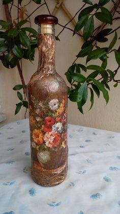 Μπουκάλι με ανάγλυφο. Decoupage, Home Decor, Decorated Bottles, Mariana, Glass, Tin Cans, Bottles, Art, Decoration Home