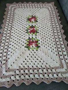Lindo Tapete de crochê, Modelo de uma Rosa, Maravilhoso! Segue aqui o gráfico!
