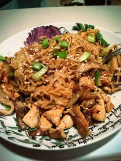 Food, Feminism, & Life: Weeknight Pad Thai