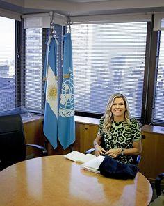 Koningin Máxima is dinsdagmiddag (lokale tijd) in Buenos Aires begonnen aan haar bliksembezoek voor de Verenigde Naties aan naar geboorteland Argentinië. De koningin kreeg bij haar rit van haar hotel in de wijk Recoleta, vlak bij haar ouderlijk huis, stevige bewaking mee.