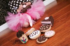 Oh cute! I WANT a felt cake to use for birthday shoots!!