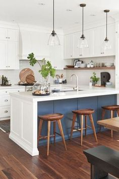 6 Good-Looking Clever Tips: Ikea Kitchen Remodel Granite farmhouse kitchen remodel paint colors.U Shaped Kitchen Remodel Stove u shaped kitchen remodel stove.U Shaped Kitchen Remodel Stove. Modern Farmhouse Kitchens, Home Kitchens, Farmhouse Design, Farmhouse Small, Farmhouse Sinks, Modern White Kitchens, Farmhouse Decor, Ikea Kitchens, Modern Farmhouse Lighting