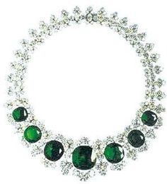 Bvlgari Emerald and Diamond Necklace  gorgeous blings. beautiful. ladies accessories. ladies fashion styles.