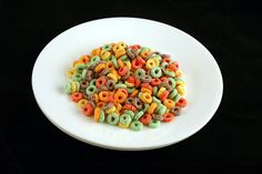 Fruit Loops Cereal – 51 grams - Photos Of 200 Calories On One Plate Best of Web Shrine Get Healthy, Healthy Life, Healthy Recipes, Healthy Foods, 200 Calories, Bacon Frit, Model My Diet, Fruit Loops Cereal, Instant Recipes