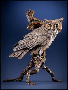 Discreet French Hand Carved Falcon Bird Statue Sculpture 2019 New Fashion Style Online Architectural & Garden
