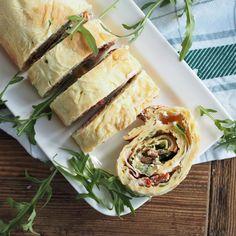 Ob zum Frühstück, zum Picknick oder als Snack zwischendurch: Diese herzhafte Pfannkuchenrolle ist einfach, lecker und schnell gemacht!