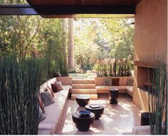Outdoor living room (really!) designed by Los Angeles firm Studio William Hefner. And there's Equisetum hyemale…again.