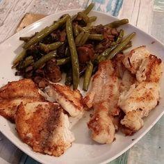 Restanten/hersteldag (gister uiteten geweest) kabeljauwfilet & tilapia met gebakken champignons/aubergines en sperziebonen.. #gripopkoolhydraten #lowcarb #koolhydraatarm #Afvallen #loosingweight #obesitas #obese #Diabetes #diabetic #gezondheid #healthy #dedication #biologisch #fish by koolhydraatarme_happy_meals_