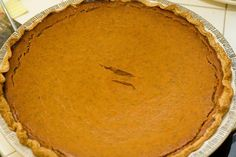 Making pumpkin pie just right by cooking and pureeing your own pumpkin. #recipe #naturalfamtoday