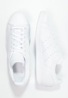 bestil adidas Originals STAN SMITH - Sneakers - white til kr 699,00 (18-10-16). Køb hos Zalando og få gratis levering.