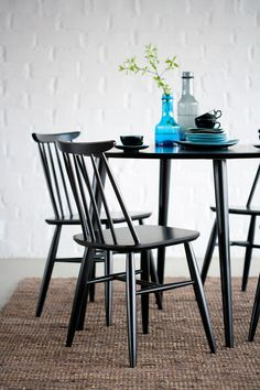 drag to resize or shift-drag to move Small Apartment Decorating, Interior Decorating, Interior Design, Kitchen Nook, Colorful Chairs, Retro Home, Cheap Home Decor, Scandinavian Style, Dining Area