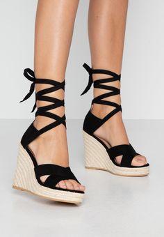 Sandaler, strl. 38. Rea 319:- Zalando.se Espadrilles, Wedges, Shoes, Black, Fashion, Damask, Espadrilles Outfit, Moda, Zapatos