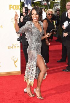Kerry Washington attend the 67th Annual Primetime Emmy Awards at Microsoft Theater on September 20, 2015
