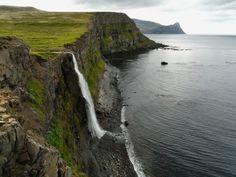 Iceland (by Enginn Engill)