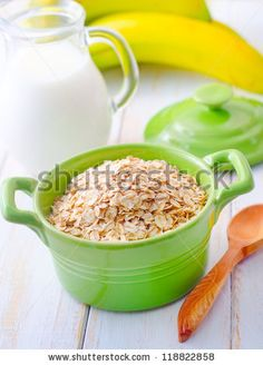 oat flakes with banana and milk