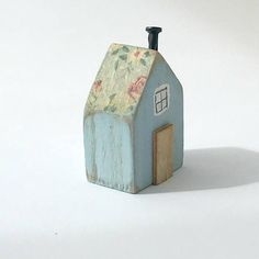 Blue Tiny House Miniature House Floral Wood House Wooden Skip to full craft Scrap Wood Crafts, Wood Block Crafts, Driftwood Crafts, Wooden Crafts, Wood Blocks, Wood Projects, House Ornaments, Wood Ornaments, How To Make Ornaments