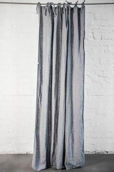 Handgemachte Graphit oder eisblau/Silber grau Leinen Vorhänge.  Das Angebot gilt für ein Panel von 138 cm.  BESCHREIBUNG: -100 % natürliche litauische Leinen (Flachs); -gewaschen, weich und hat natürliche Falten; -die Breite - 55/138 cm; -einfach beendet; -nicht gebügelt (keine Notwendigkeit, Eisen zu hausgemachten schauen); -hausgemachte von kleinen Familie bei bescheidenen Heimstudio;  KÜMMERT SICH UM: -Maschinenwäsche schonend; -trockene sanfte; -Bügeleisen kopfüber am Mittel hoch;  WIR…